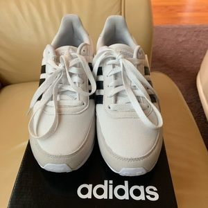NWB Adidas Women's V Racer 2.0 Sneakers Size 7.5